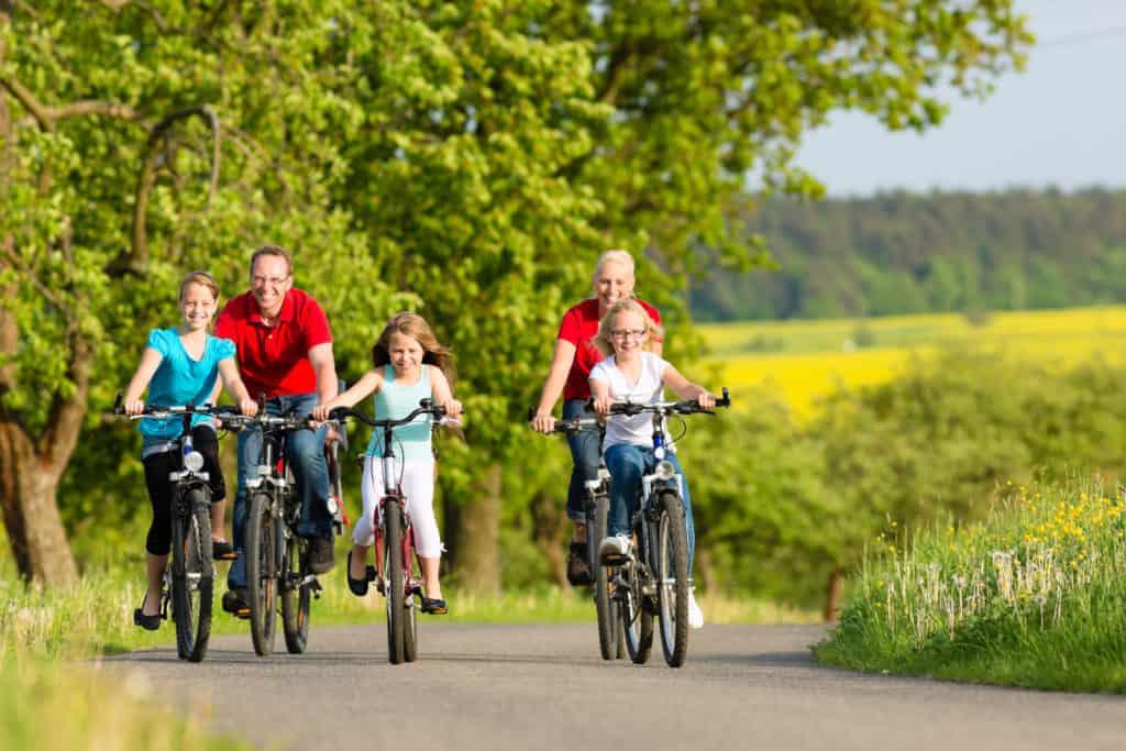 family cycling 94009646 1024x683 1