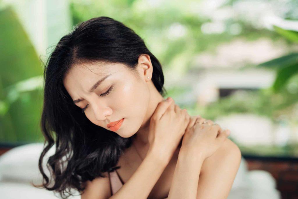 neck pain 95496165